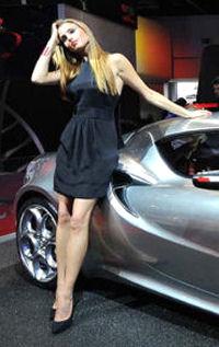salon mondial de auto 2014 paris photos hotesses sexy salon mondial de l 39 auto 2014 paris photos. Black Bedroom Furniture Sets. Home Design Ideas